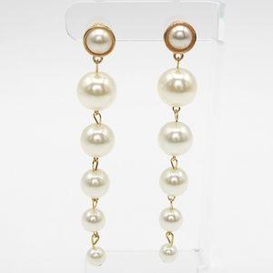 Jewelry - Graduated Pearl Drop Earrings